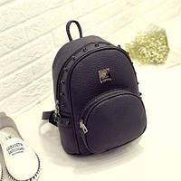 Женский рюкзак маленький с шипами черный городской