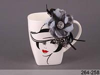 Чашка Дама с цветком-брошью (2 вида)