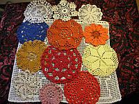 Комплект вязанных салфеток