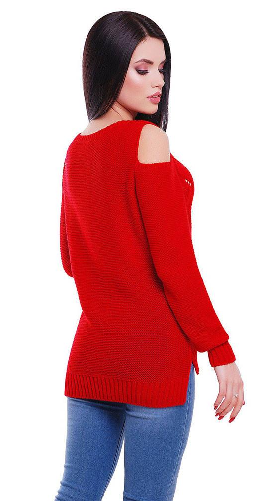 Свитер с открытыми плечами красный