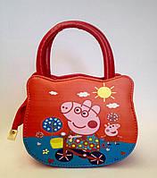 Сумка детская свинка Пеппа  с  ремешком через плечо красного цвета