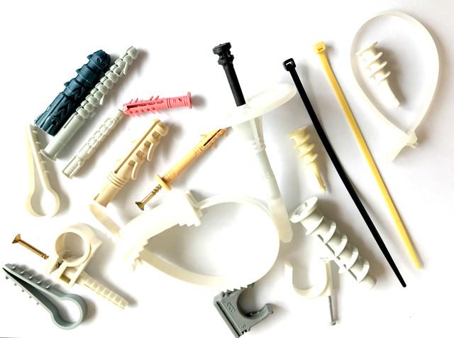 Крепления из пластика и нейлона (термодюбеля, быстрый монтаж, стяжки, пробки, елочки монтажные)