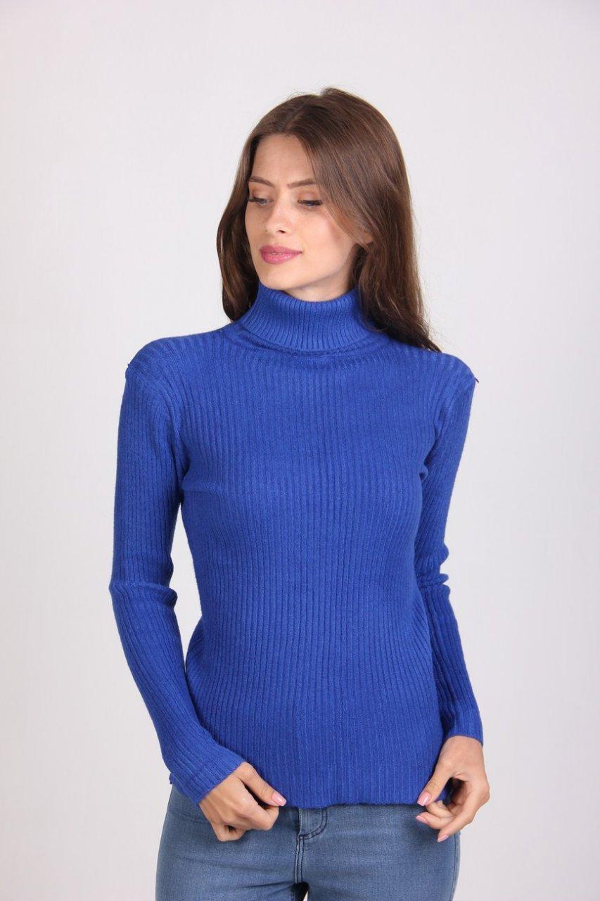 Тёплый женский гольф синего цвета