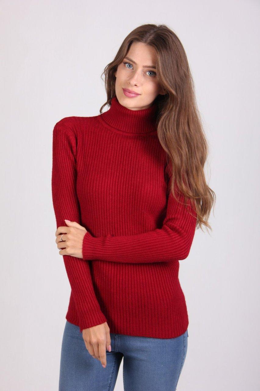 Женский тёплый гольф бордового  цвета
