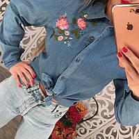 Женская джинсовая рубашка с вышивкой розы тренд 2017 года