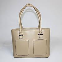 Удобная женская сумка бежевого цвета