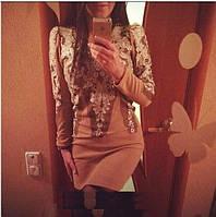 Трикотажное платье с кружевом...