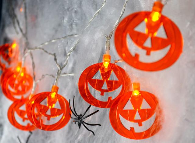Гирлянды на Хэллоуин от батареек и другой декор