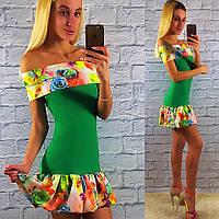 Яркое летнее зеленое платье с цветным рюшем.  Арт-2330/2