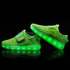 Светящиеся LED кроссовки Yeezy на липучке зеленые 5101-10, фото 2