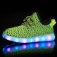 Светящиеся LED кроссовки Yeezy на шнурках зеленые 5102-10