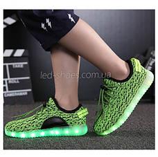 Светящиеся LED кроссовки Yeezy на шнурках зеленые 5102-10, фото 2