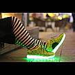 Светящиеся LED кроссовки Yeezy на шнурках зеленые 5102-10, фото 4