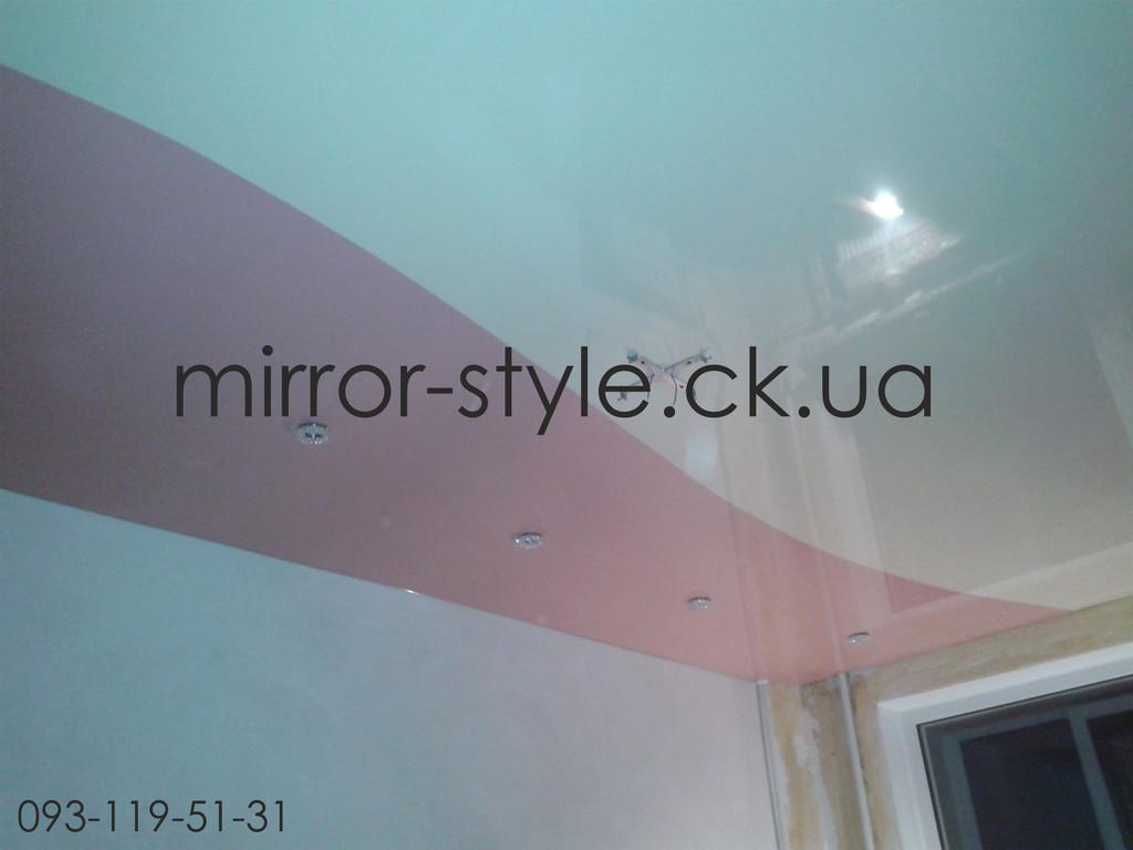 Комбинация цветов на натяжном потолке.