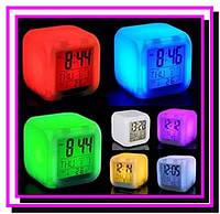 """Часы """"квадратик"""" хамелеон с термометром UFT Clock Kub"""