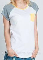 Женская футболка с желтым карманчиком размер XS