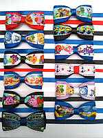 Бабочка - галстук для маленьких джентльменов из ленты с героями мультфильмов в ассортименте .