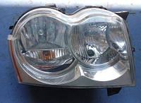 Фара передняя правая электр коректор -08JeepGrand Cherokee III2005-201055156670AI  Valeo