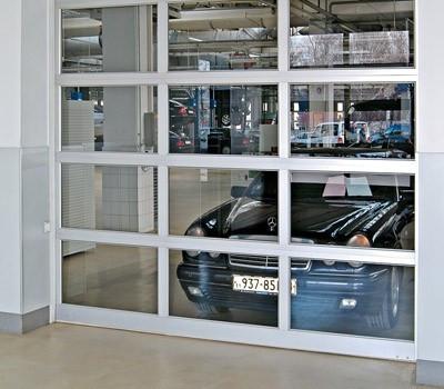 Секционные панорамные гаражные ворота серии АЛПС в Киеве