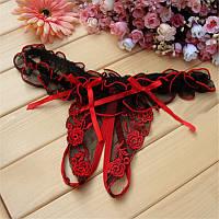 Кружевные черно-красные трусики с разрезом