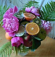 Веган-Букет из овощей и фруктов с добавлением цветов. Съедобные букеты. Запорожье