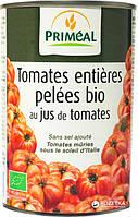 Органические очищенные помидоры в томатном соку