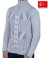 Белый мужской свитер под горло, на молнии.Полустойка ворот.