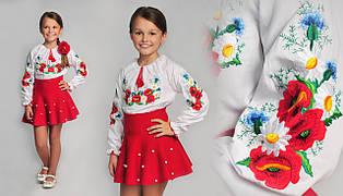 Вышитая блуза для девочки с маками и васильками