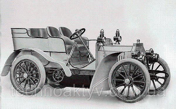 Одна из первых моделей марки Мерседес