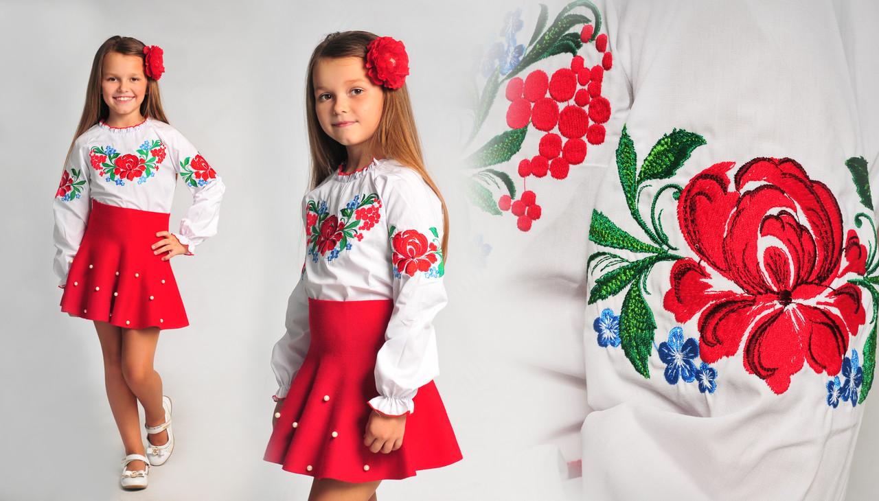 Батистовая вышиванка с цветочным узором