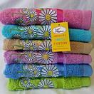 Банное  качественное  махровое полотенце с вышитыми ромашками  Размер 140*70., фото 2
