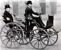 Готлиб Даймлер в качестве пассажира на своем детищ