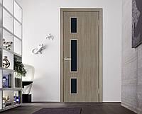 Двери межкомнатные Соло с черным стеклом сосна мадейра