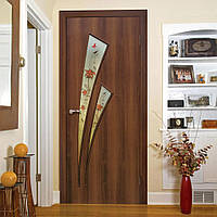 Двери межкомнатные Триумф с рисунком на стекле орех