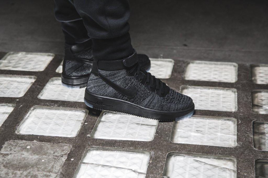 Кроссовки в стиле Nike Air Force 1 Ultra Flyknit Dark Grey/Black