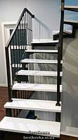 Отделка открытой лестницы ступенями белого цвета