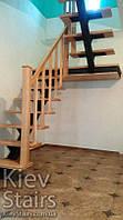 Отделка П-образной лестницы деревом с подшивкой площадки снизу