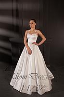 Атласное платье с прозрачной маэчкой