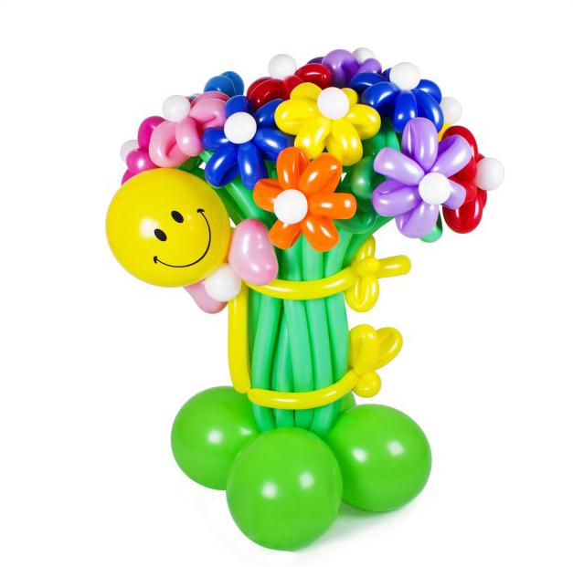 Ваза с цветами их воздушных шаров