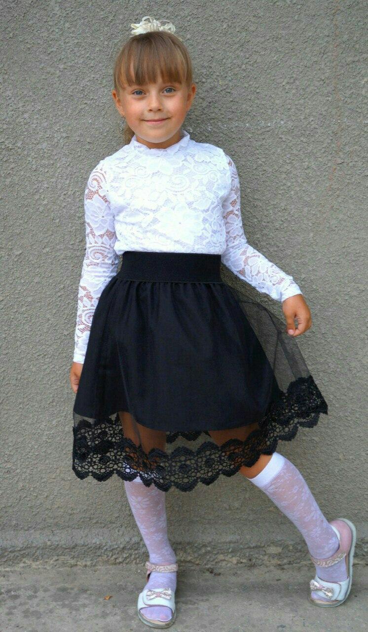 Юбка школьная трикотаж стеганка с гипюром 9,8дол и блузка белая ажурная 9,7дол