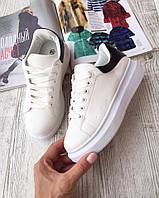 Женские кроссовки белые на дутой подошве