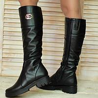 Женские сапоги из натуральной кожи черного цвета на низком ходу
