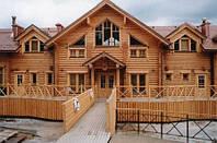 Строительство отеля из оцилиндрованного бревна