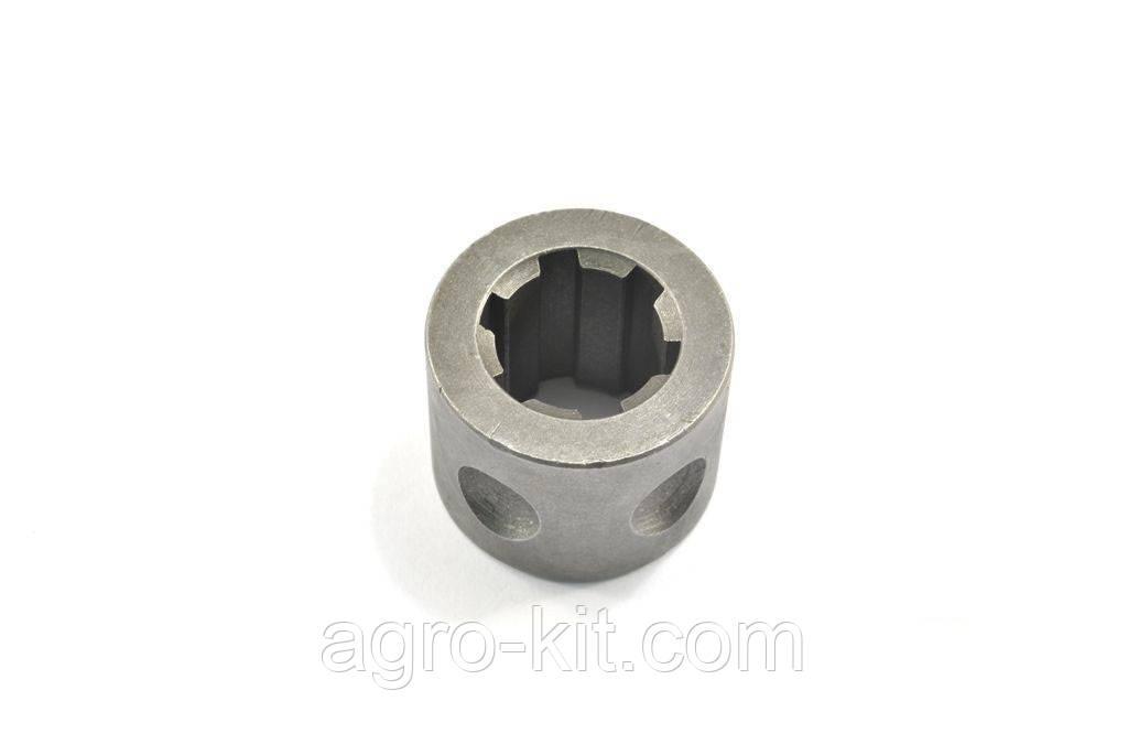 Втулка валика привода гидронасоса Т-40М Д30-4618072-Б