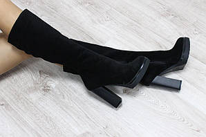 Демисезонные кожаные сапоги с молнией на удобном каблуке