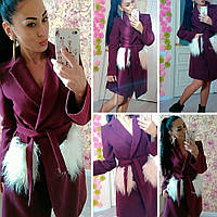 Женское пальто с меховыми карманами