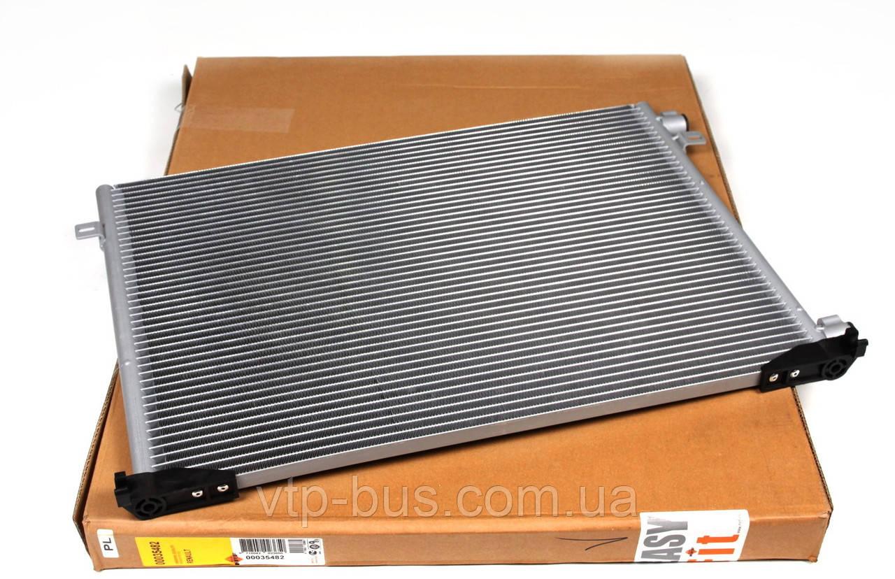 Радиатор кондиционера на Renault Trafic / Opel Vivaro 1,9dCi с 2001... NRF (Дания) 35482