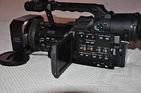відеокамера Panasonic AG-DVX100BE