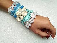 Шикарный ажурный голубой браслет манжет, вязаный оригинальный браслет ручной работы