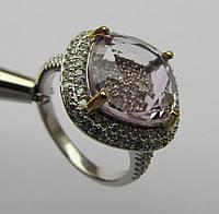 Необычный дизайн. Кольцо с сиреневым аметистом, кушон (11х11) и фианитами